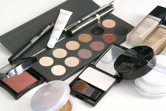 化粧品の全成分表示と旧表示指定成分について
